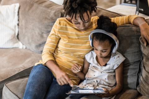 Pandemia = Crianças + Internet. Essa equação fecha pra você?